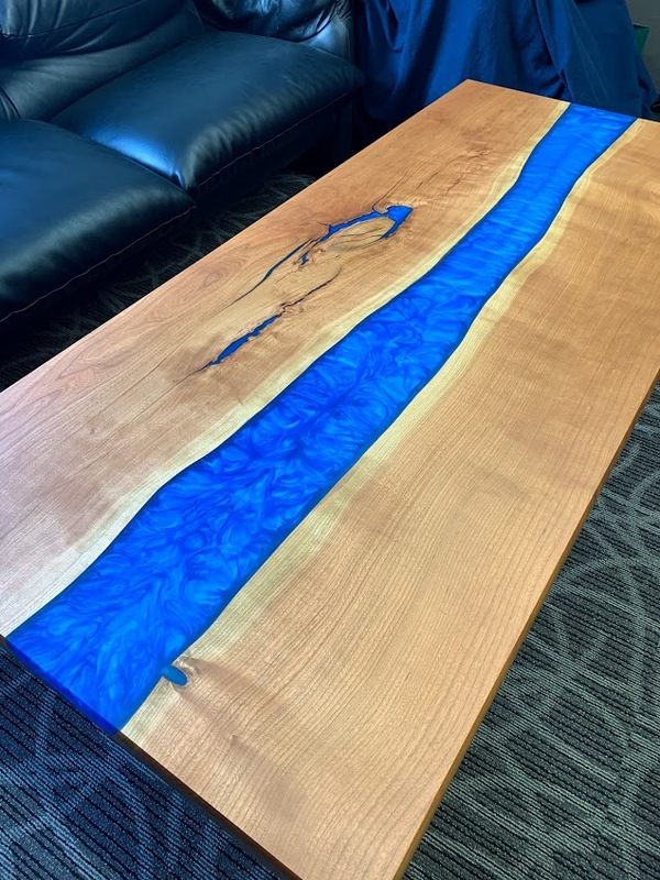 社長室のミーティングテーブル